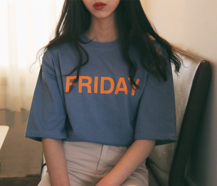 Day lettering round tee