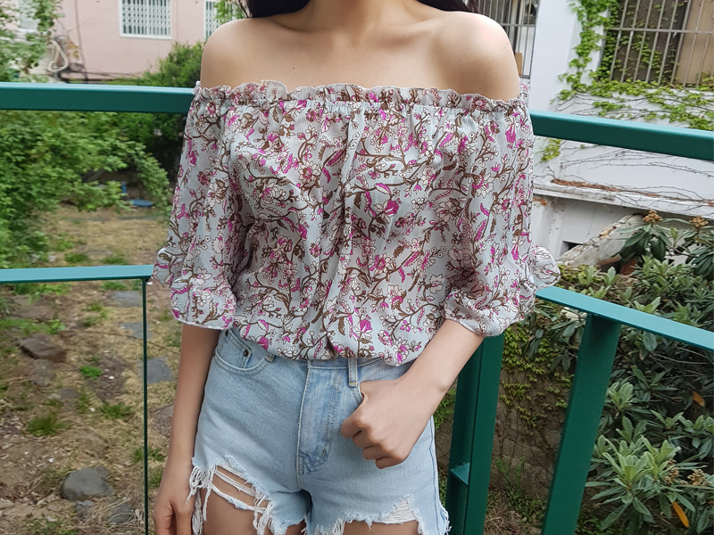 Flower banding off-shoulder