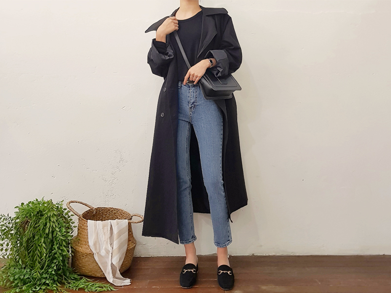 Over fit trench coat