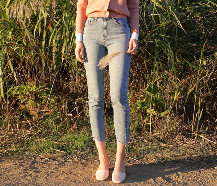 Cutting point denim pants