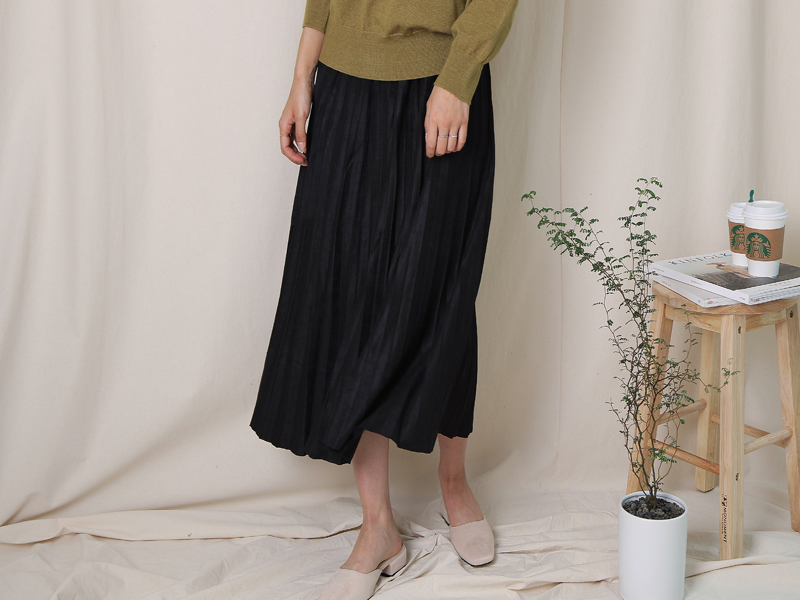 Suede pleats skirts